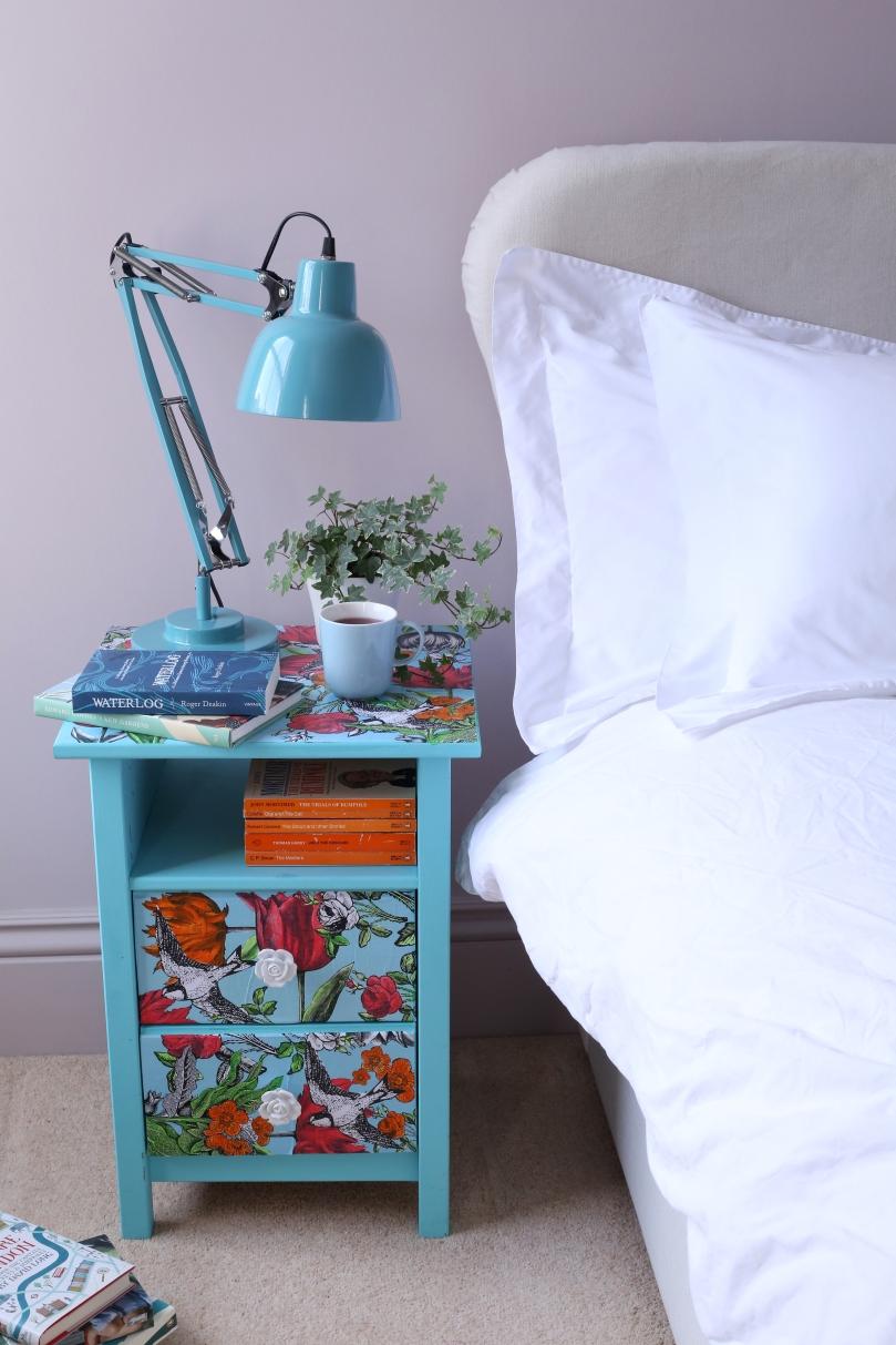 BedsideTable1