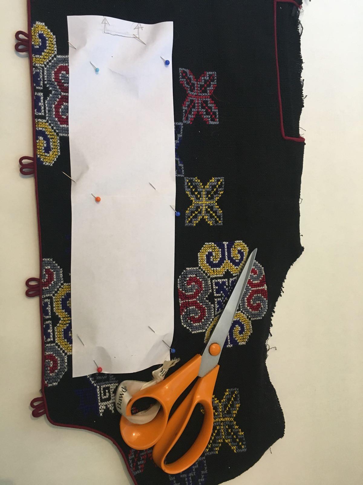 pin band onto fabric.jpg