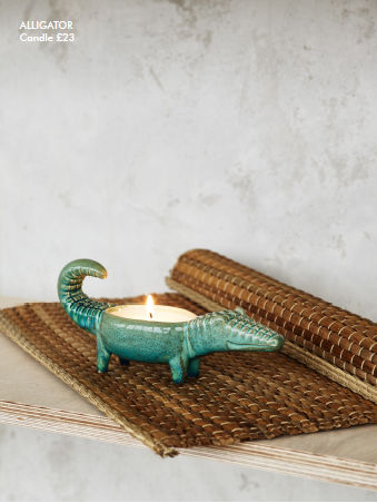 aligator candle holder