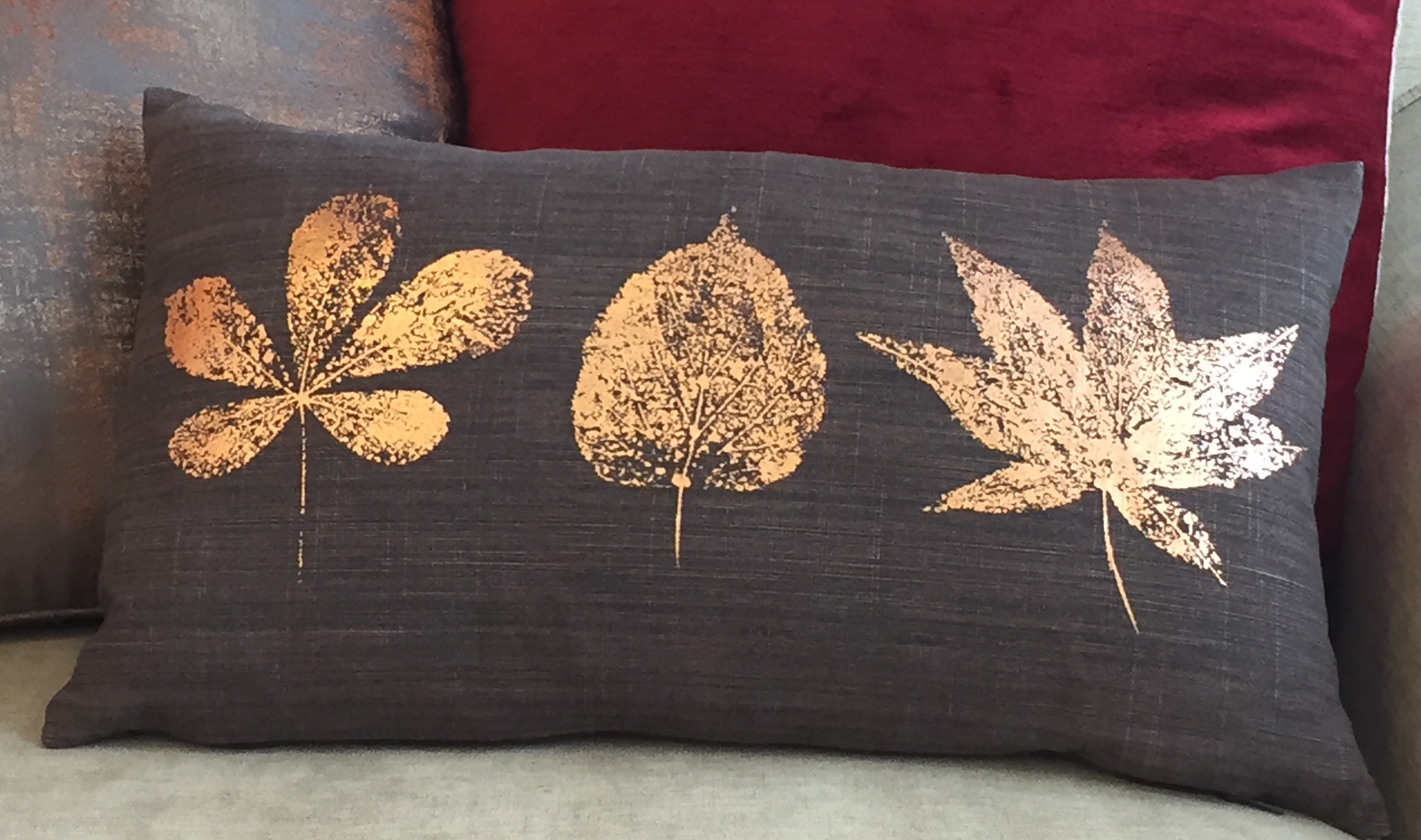 6 metallic cushions